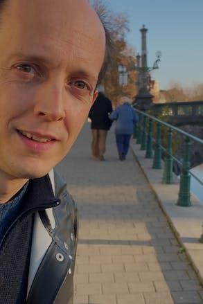 Just Asking: de film 4 (Oscar Van Rompaey)